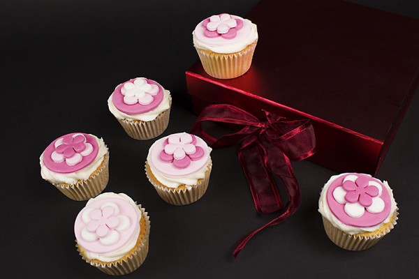 Pretty in Pink Cupcakes - Gift Box of 9