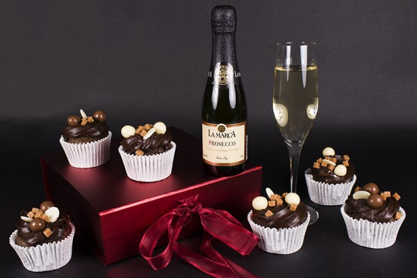 Cupcakes and Prosecco Gift Set